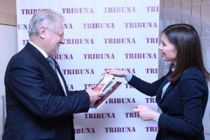 tribuna2
